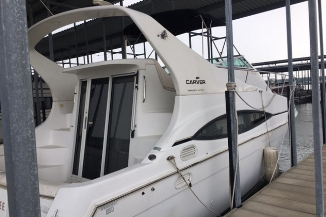 1997 Carver 350 Mariner