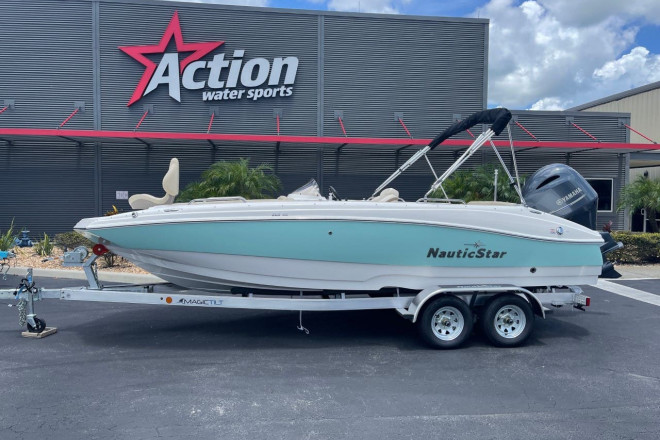 2021 Nautic Star Deck Boats