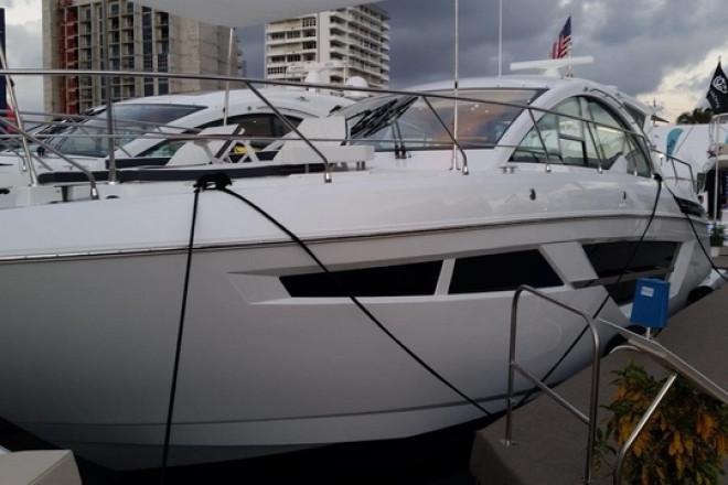 2018 Cruisers Cantius 50 Luxury Yacht