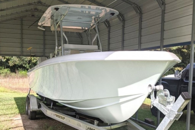 2021 Bluewater 2550 Center Console