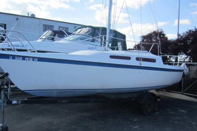 1984 Macgregor 25 - For Sale at Winthrop Harbor, IL 60096 - ID 36211