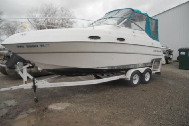 1997 Four Winns 258 VISTA - For Sale at Oshkosh, WI 54901 - ID 65104