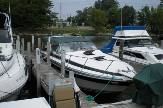 1988 Wellcraft 3200 ST TROPEZ - For Sale at Grand Haven, MI 49417 - ID 37262