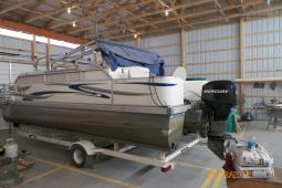 2007 Voyager 22 Foot Fishing Pontoon
