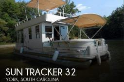 2007 Sun Tracker Party Cruiser 32