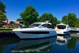 2015 Cruisers 39 EXPRESS
