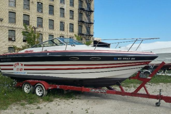 1987 Four Winns 235SUNDOWNER - For Sale at Pewaukee, WI 53072 - ID 99107