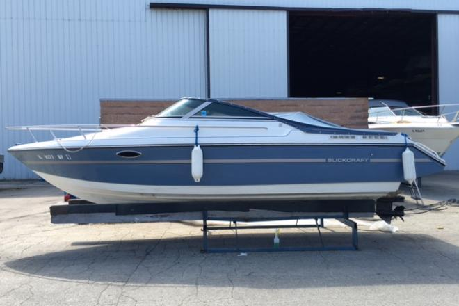 1990 Slickcraft 237 - For Sale at Winthrop Harbor, IL 60096 - ID 102358