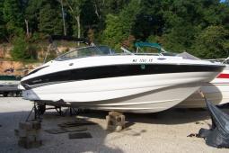 2004 Crownline 260 EX Deckboat