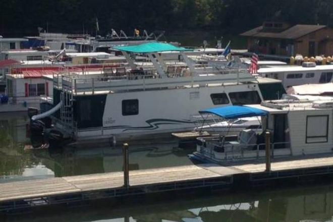 2005 Myacht Pontoon Houseboat - For Sale at Roanoke, WV 26447 - ID 107361