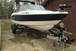 2011 Bayliner Fish and Ski