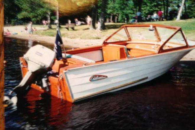 1963 Cruisers Commadore 18 Foot 1963 Motor Boat In