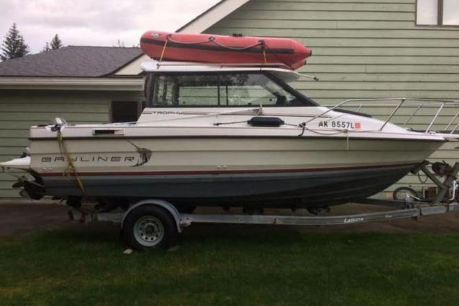 1990 Bayliner Trophy - For Sale at Juneau, AK 99801 - ID 109097