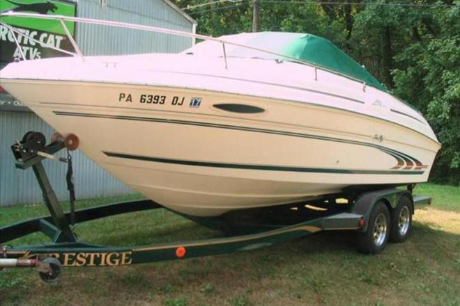 1998 Sea Ray 215 Express Cruiser - For Sale at Mohrsville, PA 19541 - ID 109103