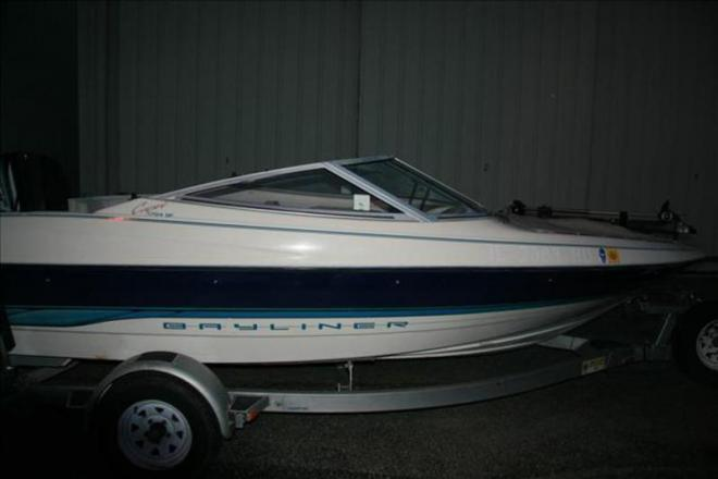 1995 Bayliner 1704 SF - For Sale at Mount Prospect, IL 60056 - ID 109184