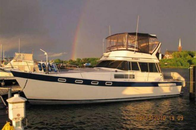 1984 Bayliner 3855 Motoryacht - For Sale at Washburn, WI 54891 - ID 109297