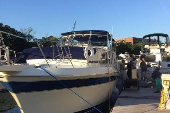 1985 Chris Craft 381 Catalina - For Sale at Watertown, MA 2471 - ID 109298