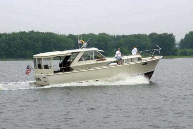 1966 Chris Craft 38 Commander - For Sale at Dubuque, IA 52001 - ID 109300