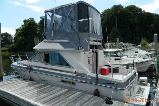 1987 Sea Ray 265 Sedan Bridge - For Sale at Stonington, CT 6378 - ID 109340