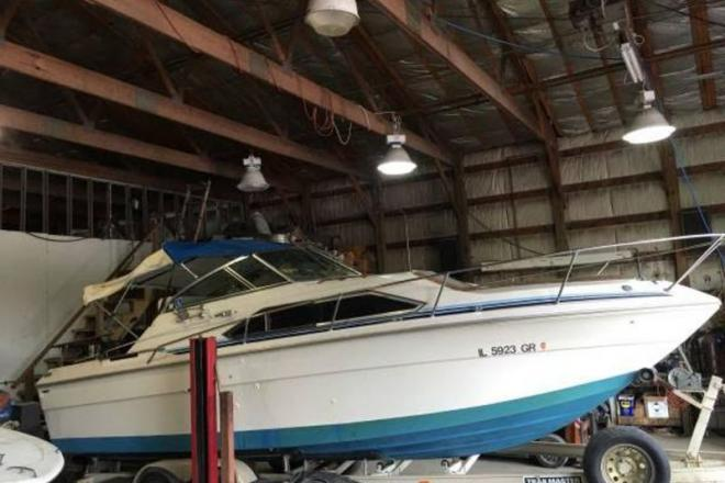 1981 Sea Ray 245 Sundancer - For Sale at Hinsdale, IL 60521 - ID 109365