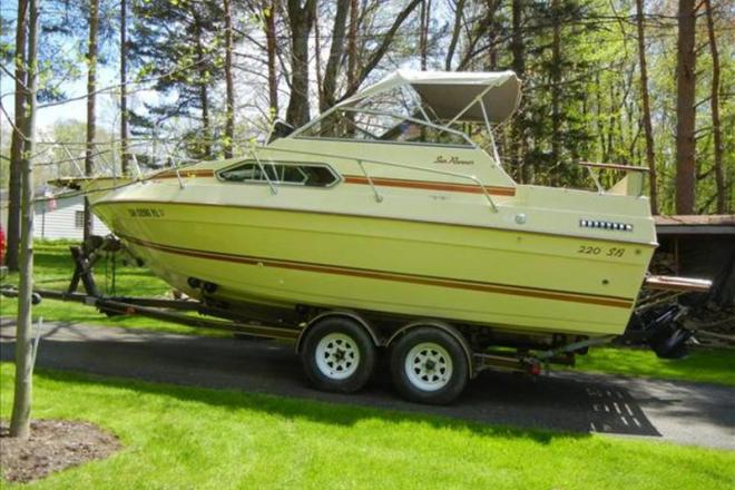 1985 Sun Runner 220 SB - For Sale at Chagrin Falls, OH 44022 - ID 109392