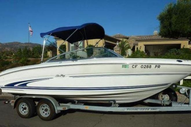 2000 Sea Ray 210 Signature Series Bowrider - For Sale at San Diego, CA 92101 - ID 109439
