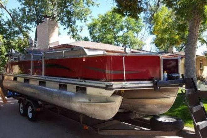 1989 Tracker Party Barge - For Sale at Lakewood, CO 80401 - ID 109451