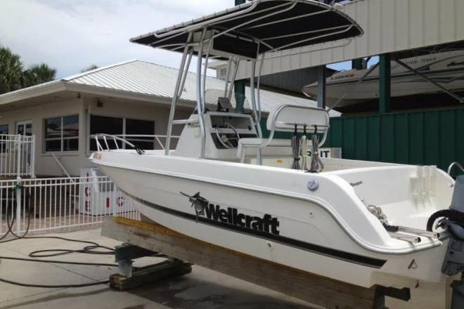 2000 Wellcraft Fisherman - For Sale at Marco Island, FL 34145 - ID 109783