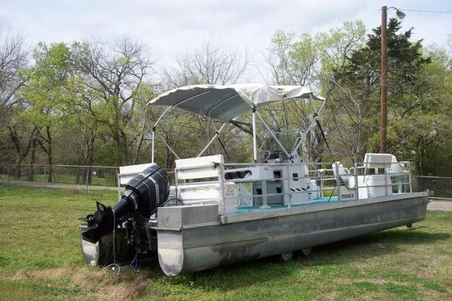 1984 Lowe Pontoon - For Sale at Campbell, TX 75422 - ID 109959