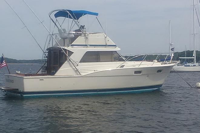 1976 Chris Craft Commander - For Sale at Chester, CT 6412 - ID 110138