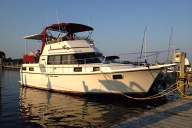 1986 Carver 3607 - For Sale at Oshkosh, WI 54901 - ID 111635
