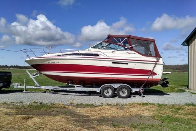 1986 Sea Ray 268 Weekender - For Sale at Clayton, NY 13624 - ID 112841