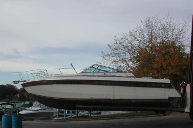 1986 Chris Craft 332 Commander - For Sale at Johnsburg, IL 60050 - ID 113833