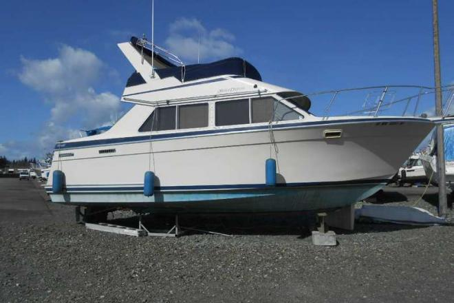 1986 Tollycraft Sport cruiser - For Sale at Everett, WA 98201 - ID 114077