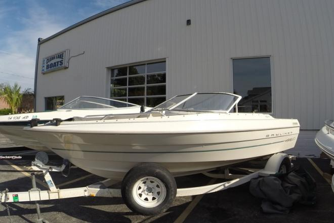2000 bayliner 1950 fish ski 19 foot 2000 fishing boat in for Used fishing boats for sale in iowa
