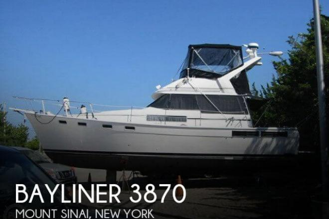 1988 Bayliner 3870 - For Sale at Mount Sinai, NY 11766 - ID 43900