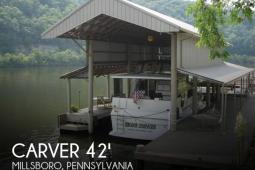 1986 Carver 4207 Aft Cabin