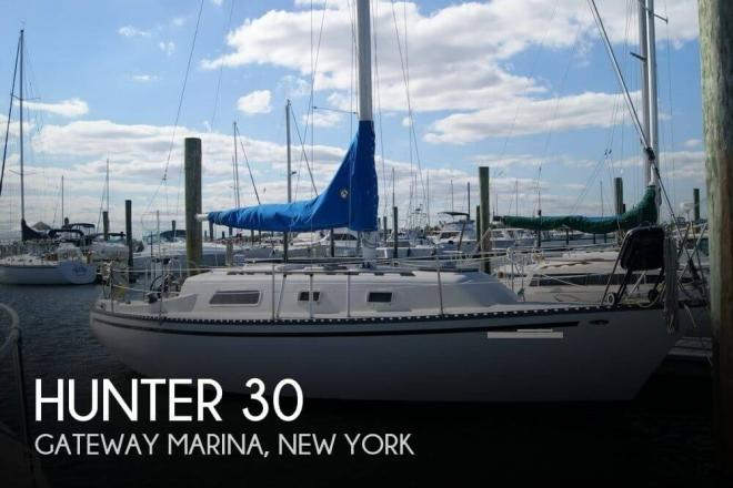 1978 Hunter 30 - For Sale at Brooklyn, NY 11234 - ID 61991