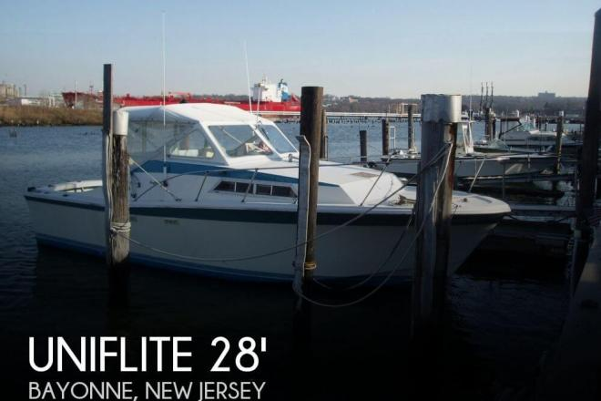 1977 Uniflite 28 Salty Dog - For Sale at Bayonne, NJ 7002 - ID 50798