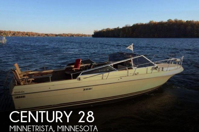 1977 century venturer 300 28 foot 1977 motor boat in for Used boat motors mn