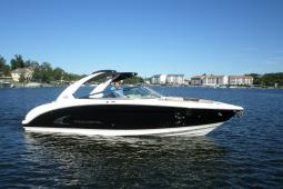 2013 Regal Bowrider 3200