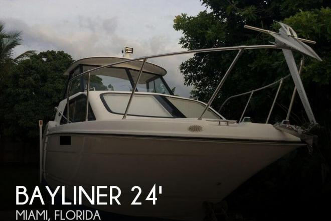 2002 Bayliner Ciera Classic 2452 - For Sale at Miami, FL 33177 - ID 96968