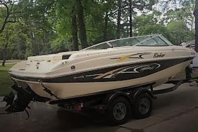 2001 Rinker Captiva 212 Special Edition - For Sale at Conroe, TX 77305 - ID 121426