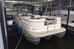 2006 Tracker Party Barge 22XP