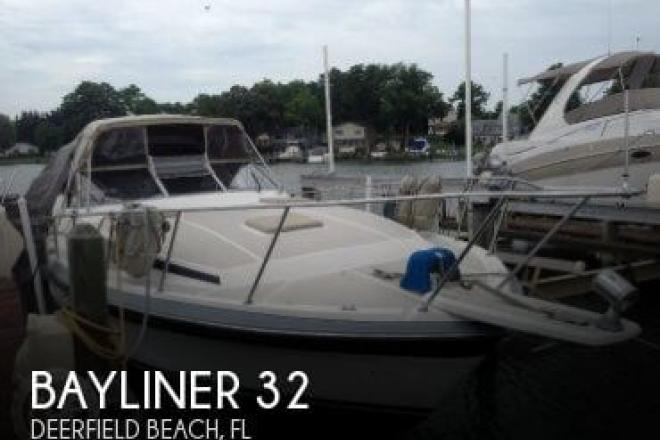 1986 Bayliner 3250 Conquest - For Sale at Deerfield Beach, FL 33441 - ID 127062