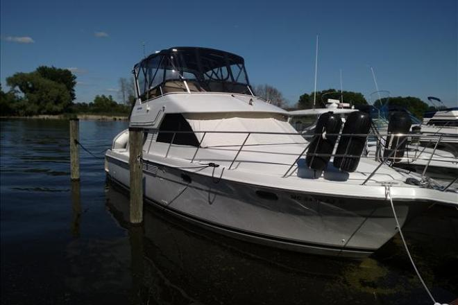 1998 Carver 370 VOYAGER - For Sale at Grand Haven, MI 49417 - ID 126965