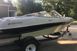 2003 Four Winns 180 Freedom F&S