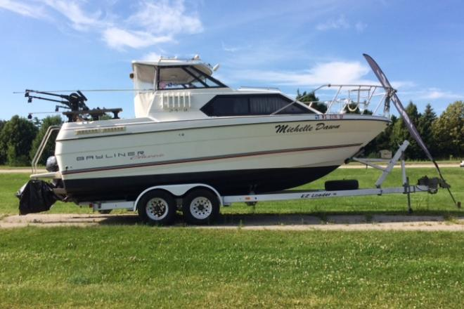 1994 Bayliner 2452 - For Sale at Sturgeon Bay, WI 54235 - ID 128350