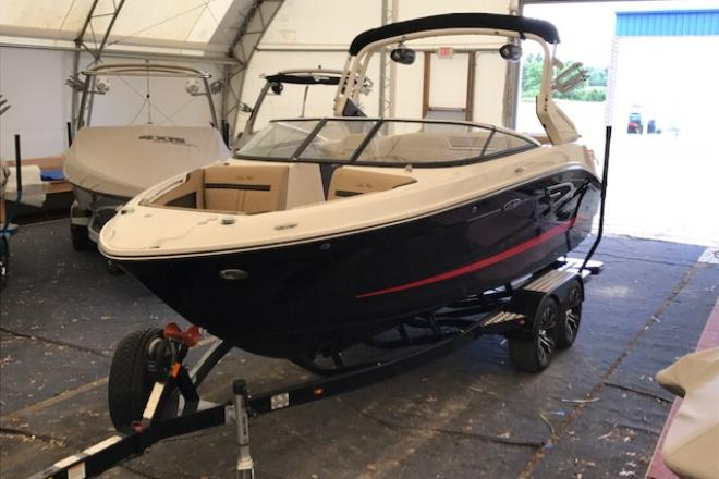 2017 Sea Ray SLX-W 230 - For Sale at Grand Haven, MI 49417 - ID 129574