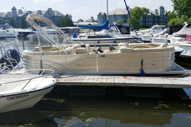 2017 Sylvan 8522MIRAGELZ - For Sale at Madison, WI 53701 - ID 122382